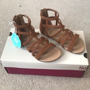 NWT Brown girls Sandals size 13M